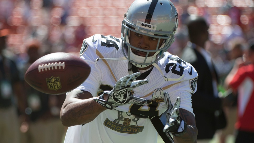 cheap for discount b2879 7f804 Charles Woodson gets introduced one last time at 2016 Pro ...