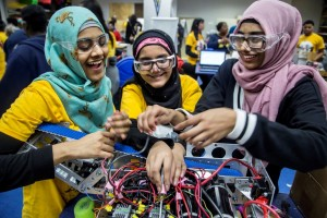 Students working at the University of Michigan Engineering Zone, or The MEZ.