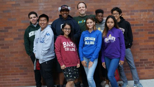 University of Illinois alum Daniel Zaharopol with BEAM students.