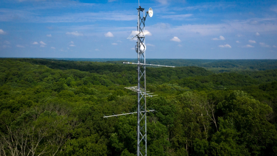 A new Indiana antennae array monitors migration across the state: BTN LiveBIG